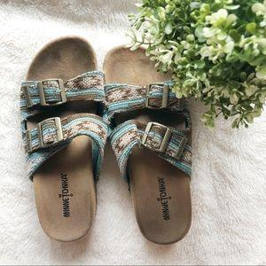 Minnetonka Blue Aztec Buckle Sandals sz 7 ✨